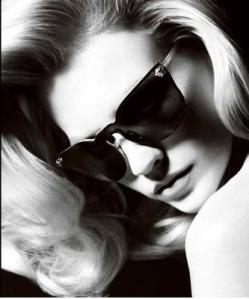 January Jones (Betty in Mad Men) posa per Versace